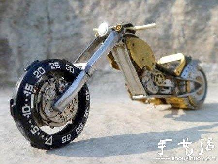 旧钟表零件diy的摩托车模型