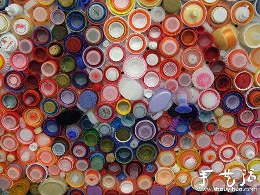 塑料瓶盖DIY的自画像 -  www.shouyihuo.com