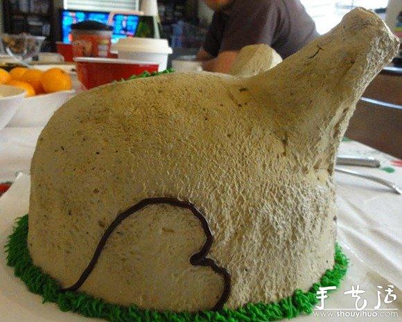 烤火鸡形状的冰淇淋蛋糕