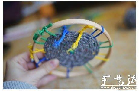 圆形杯垫的手工编织方法