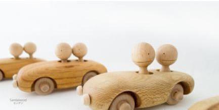 纯木手工制作的玩具车 -  www.shouyihuo.com