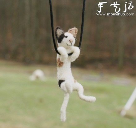 羊毛毡手工制作荡秋千的小动物