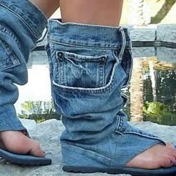 旧牛仔裤DIY的鞋子