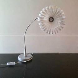 塑料瓶改造台灯 DIY漂亮花朵灯罩