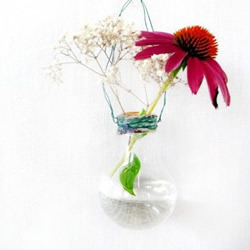 灯泡废物利用DIY时尚花瓶的教程