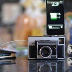 旧相机DIY改装成iPhone手机充电插座