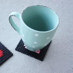 黑白两色塑胶珠子DIY二维码杯垫教程