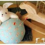 手工布艺制作抱球兔子的教程