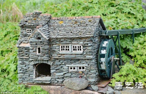 一位老男孩的夢想延續 自家院子里修築迷你小鎮