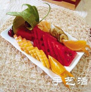 西瓜 哈蜜瓜 苹果 提子 香蕉 水果拼盘的做法