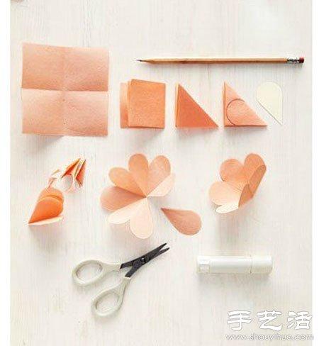 小花的剪纸方法,剪好后粘到贺卡上即可