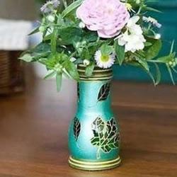 玻璃瓶变废为宝手工制作精致花瓶