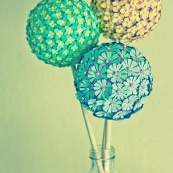 纸艺制作的漂亮花球