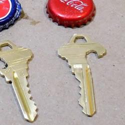 给钥匙DIY开瓶器功能