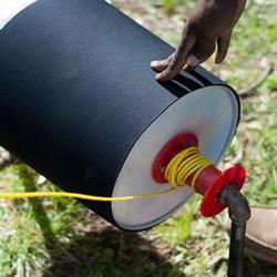 塑料桶+自来水管 DIY制作简易环保洗衣机