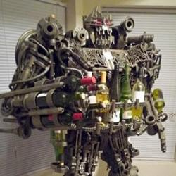 牛人DIY变形金刚机器人模型红酒架