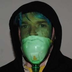 大瓶可乐瓶/雪碧瓶废物利用制作防毒面具
