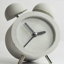 DIY充满现代工业气息的混凝土闹钟