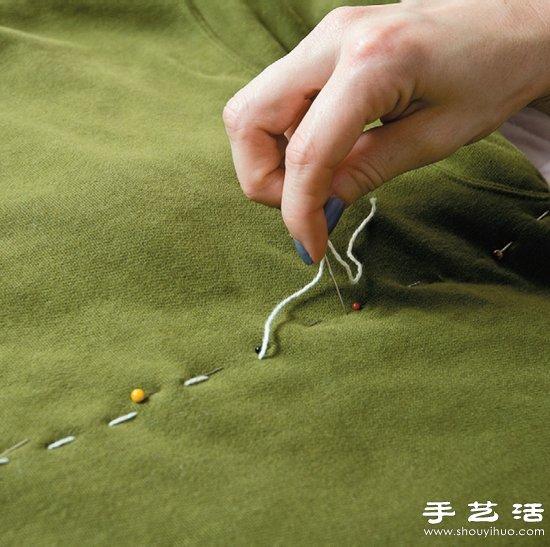 长袖T恤+靠枕/抱枕 废物利用手工制作狗窝 -  www.shouyihuo.com