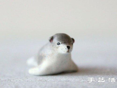 憨态可掬的粘土制作动物玩偶