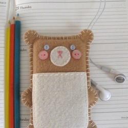 布艺手工制作的可爱小熊手机套