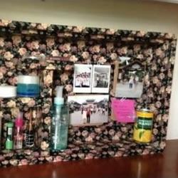 利用废弃泡沫箱制作古典风化妆品收纳架