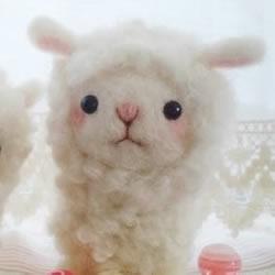 羊毛毡制作的超萌小羊羔