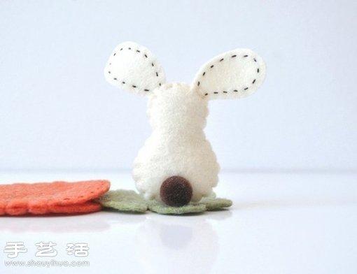 不织布制作的小兔子玩偶 - www.shouyihuo.com
