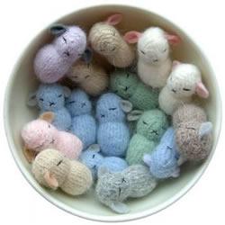 毛线制作花生大小迷你羊羔