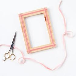 利用丝带简单手工改造木相框图解教程