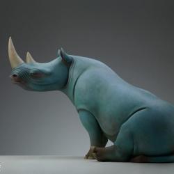 蕴藏生命力的超现实动物雕塑