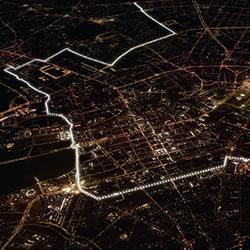 25周年纪念日 8000颗气球筑成柏林围墙