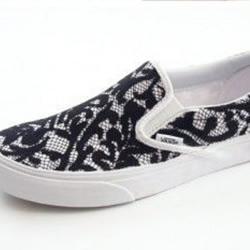 帆布鞋改造DIY小制作 蕾丝手工改造帆布鞋