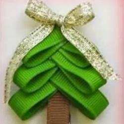 简单绸带丝带圣诞树小饰品的手工制作方