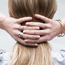 律师的新行当:家庭式手工珠宝设计工作