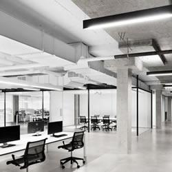 线上零售商 SSENSE 极简派办公室装修设计