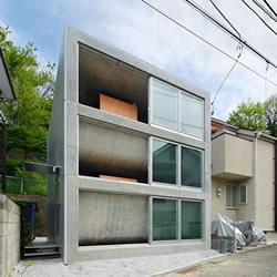 日本屏风浦之家:美妙的楼层凹陷交叠设