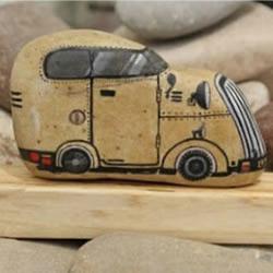 DIY充满趣味和卡通气息的石绘手工艺术品