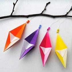 折纸菱形水晶挂饰 菱形风铃的折法图解教程