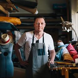 曾经是木匠 打造全手工皮革皮制包包品牌