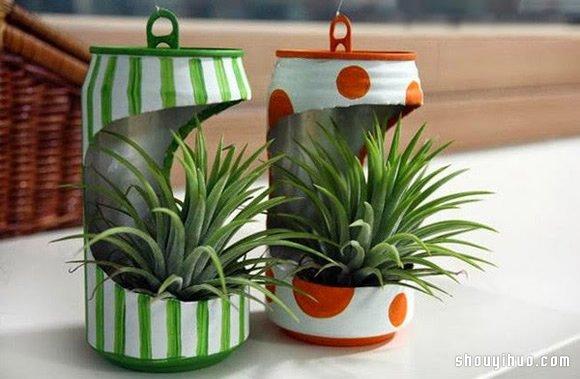 废弃的易拉罐是废物利用制作的好材料,可以将它制作成灯笼、帆船、图片