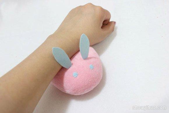 可爱粉红布艺兔子不织布手工制作图解教程
