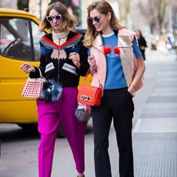 时尚街拍中出现的女式新奇包款