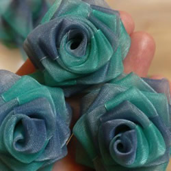 漂亮丝带花手工制作 丝带制作手工花的方