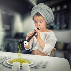 创意儿童成长照:我也想要有个会PS的老