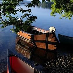 利用硬纸板自制维京划艇小船 能坐四个人
