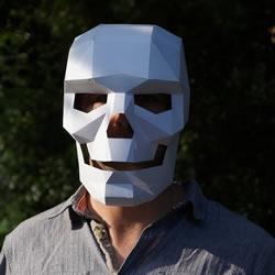 万圣节来啦 牛人用厚纸板制作超帅骷髅面具