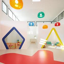 法国 Lodève区 玩具般的创意幼儿园设计