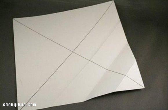 礼物包装盒折法图解 手工折纸包装纸盒方法