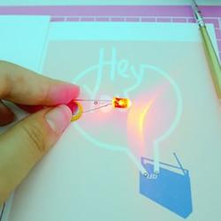 利用导电颜料DIY制作会发光的卡片